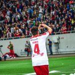 Dinamo nu mai leagă prietenii, Dinamo leagă victorii!